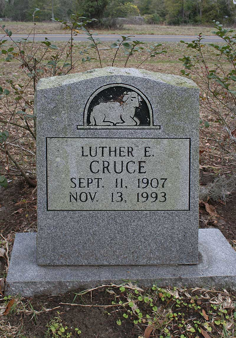 Luther E Cruce Gravestone Photo