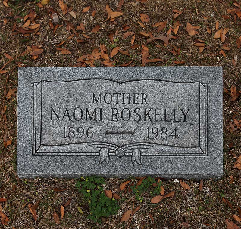 Naomi Roskelly Gravestone Photo