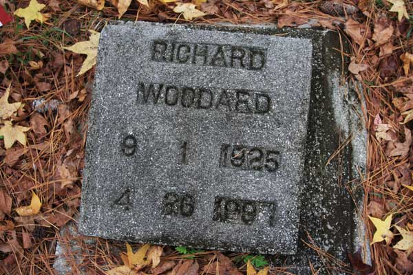 Richard Woodard Gravestone Photo