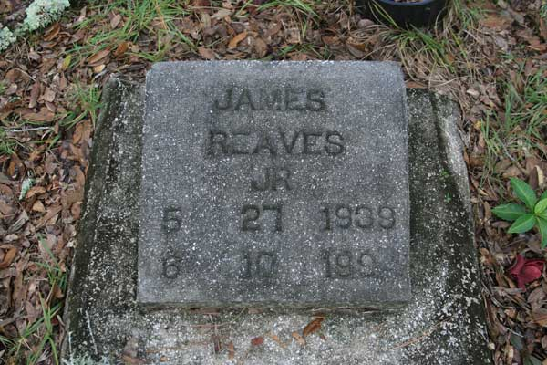 James Reaves Gravestone Photo
