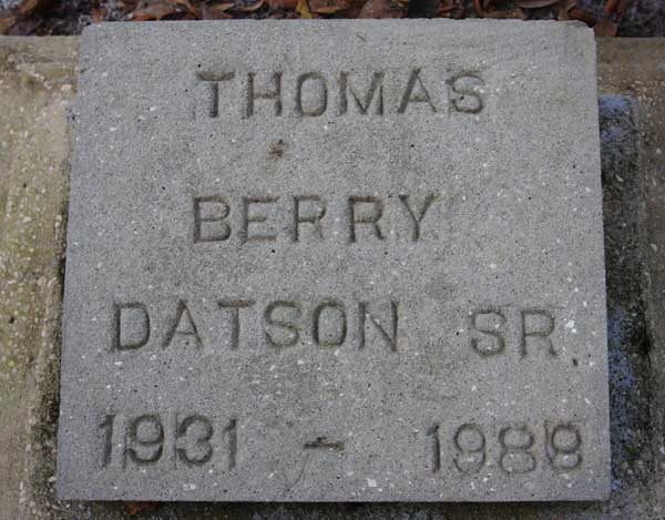 Thomas Berry Datson Gravestone Photo