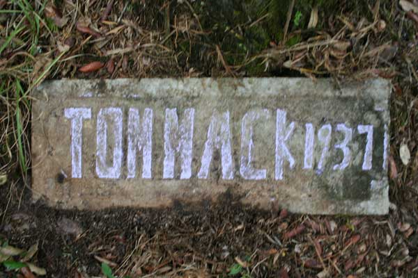 Tom Mack Gravestone Photo