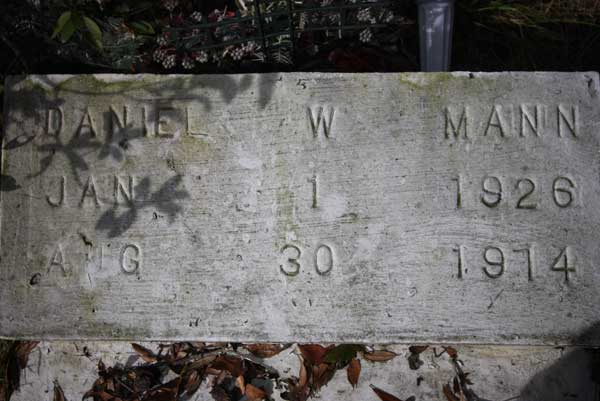 Daniel W. Mann Gravestone Photo