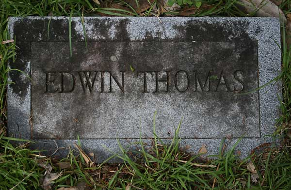 Edwin Thomas Gravestone Photo