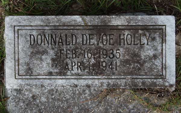 Donnald DeVoe Holly Gravestone Photo