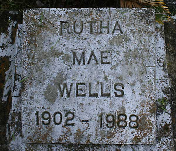 Rutha Mae Wells Gravestone Photo