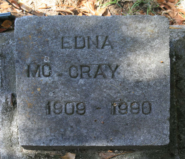 EDNA McCRAY Gravestone Photo