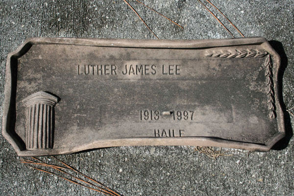 LUTHER JAMES LEE Gravestone Photo