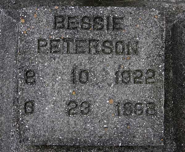 Bessie Peterson Gravestone Photo