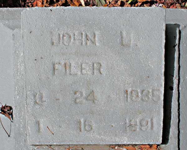 John L. Filer Gravestone Photo