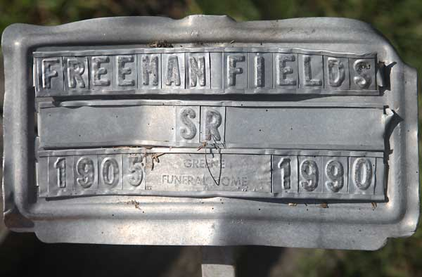 Freeman Fields Gravestone Photo
