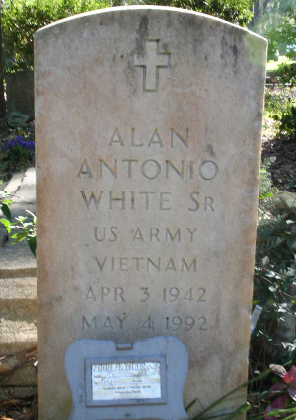 Alan Antonio White Gravestone Photo