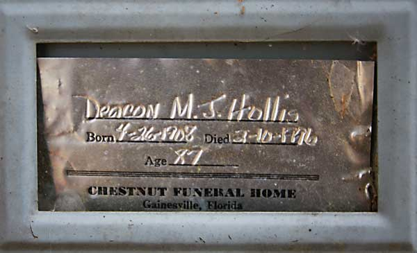 M. J. Hollis Gravestone Photo