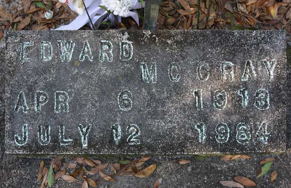 Edward McCray Gravestone Photo