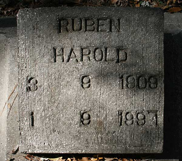 Ruben Harold Gravestone Photo
