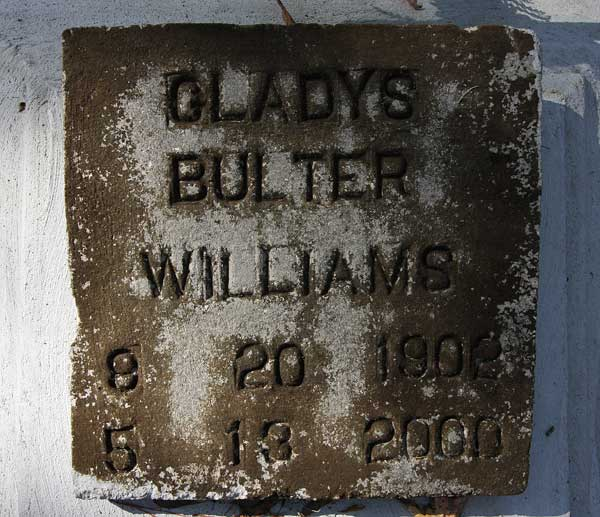 Gladys Bulter Williams Gravestone Photo