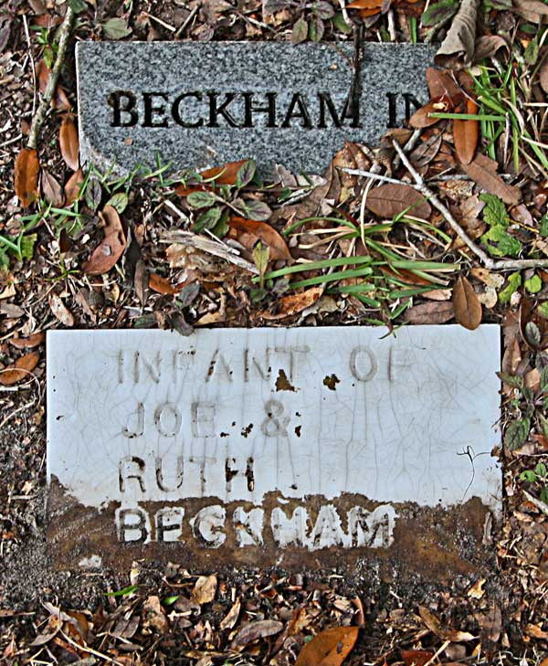 Infant Beckham Gravestone Photo