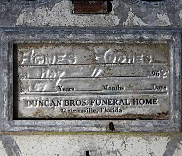 Agnes Hughes Gravestone Photo
