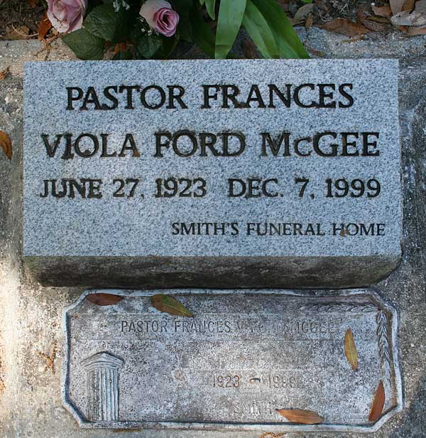 Pastor Frances Viola Ford McGee Gravestone Photo