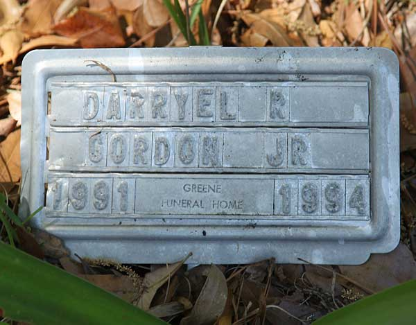 Darryel R. Gordon Gravestone Photo
