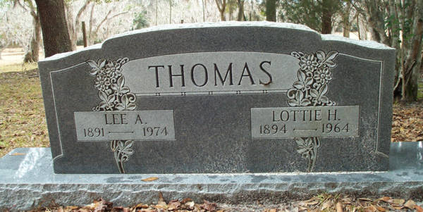 Lee A. & Lottie H. Thomas Gravestone Photo
