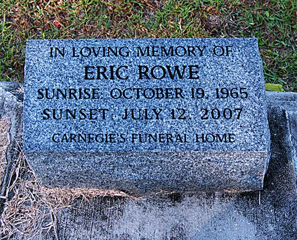 Eric Rowe Gravestone Photo
