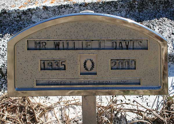 Willie L. Davis Gravestone Photo