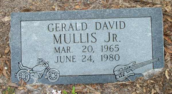 Gerald David Mullis Gravestone Photo
